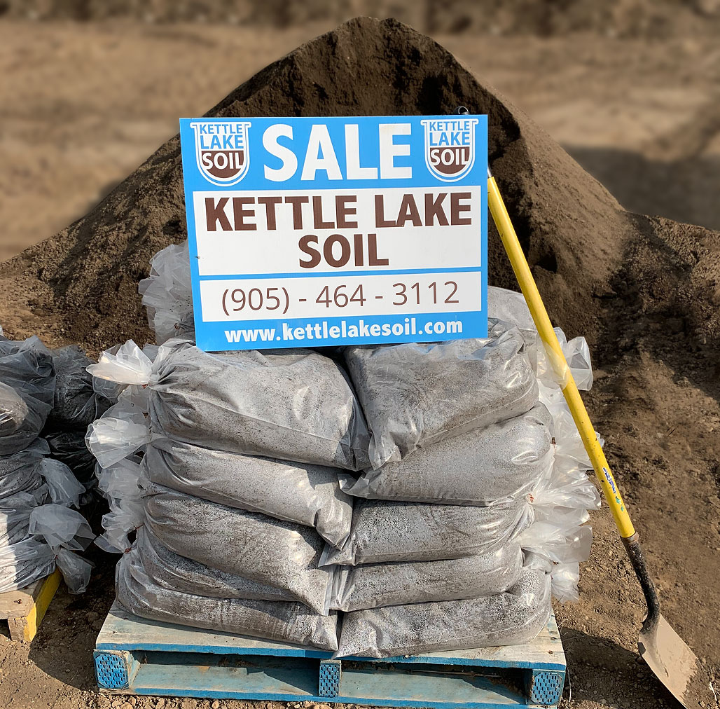 topsoil in bags for sale in Cambridge, Kitchener, Waterloo, Guelph and surrounding areas